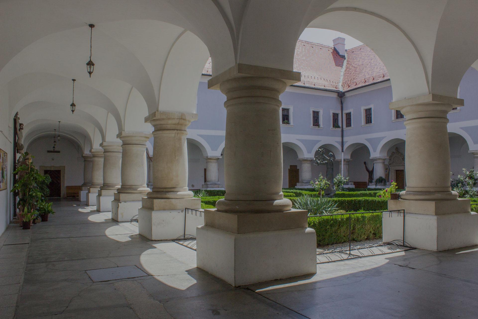 slider_franjevacki_samostan_slavonski_brod (2)