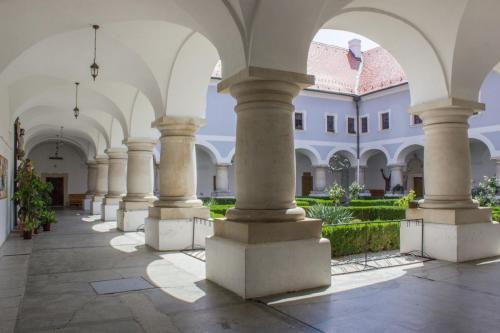 galerija franjevacki samostan slavonski brod (8)